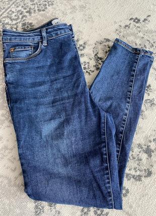 Жіночі джинси скіні
