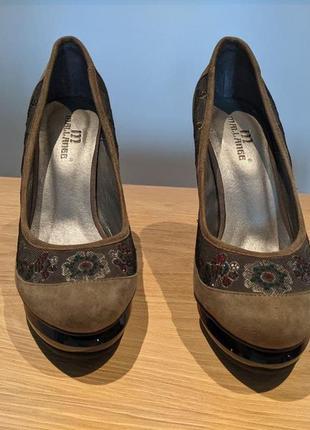 Туфли на высоком каблуке (10 см)