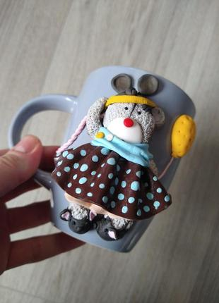 Мишка тедди из полимерной глины на чашке