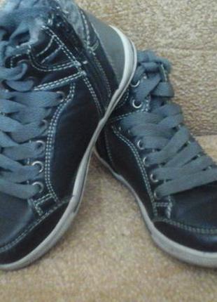 Демисезонные ботинки c&a