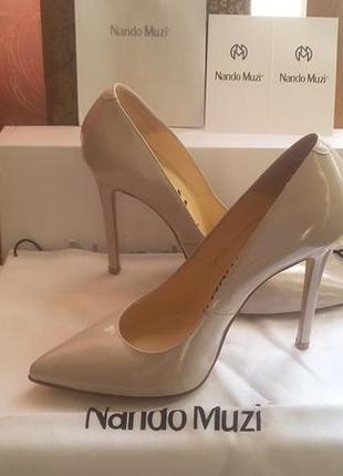 Новые классические туфли лодочки  из милана от nando muzi!