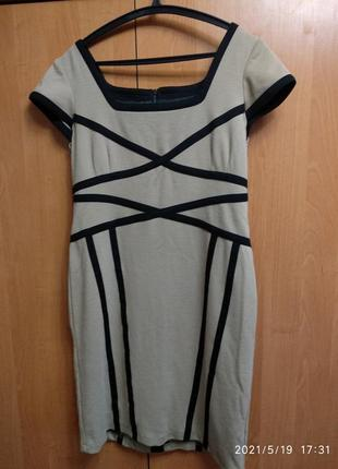 Классическое офисное деловое платье геометрик
