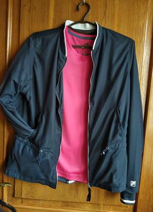 Шикарная легкая курточка  ветровка бомбер fila