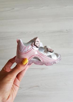 Босоножки для девочек