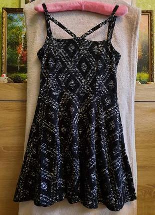 Платье фирмы topshop
