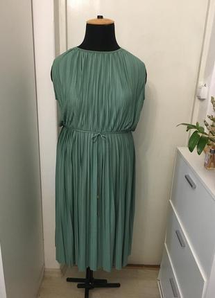 Платье плиссировка h&m
