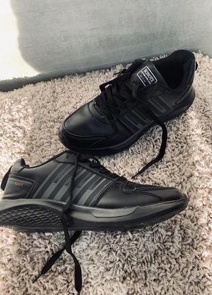 Мужские кросы, спорт взуття р. 41