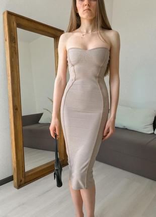 Элегантное платье миди по фигуре без бретель boohoo