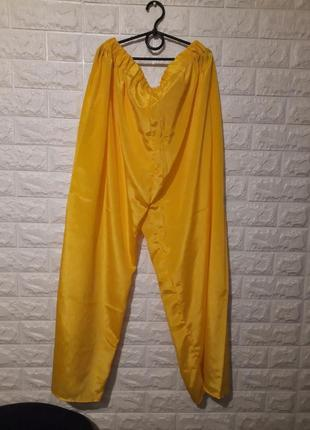 Яркие штаны, жёлтые штаны
