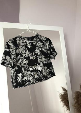 ▪️укорочена літня блуза з актуальними дерев'яними  ґудзиками new look petite