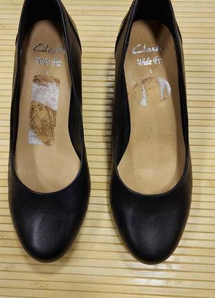 Кожанные туфли clarks