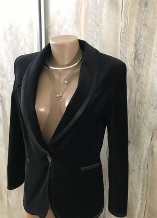 Чёрный классический вечерний велюровый бархатный пиджак жакет женский georges rech