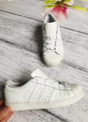 Крутые кроссовки кеды adidas размера 35(22,5см стелька)
