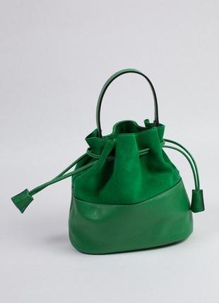 Красивая сумка-мешок из кожи с замшевой вставкой.1 фото