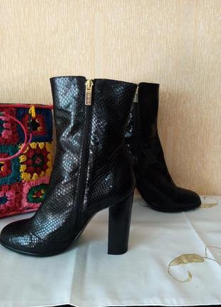 Шикарные кожаные ботинки, размер 41