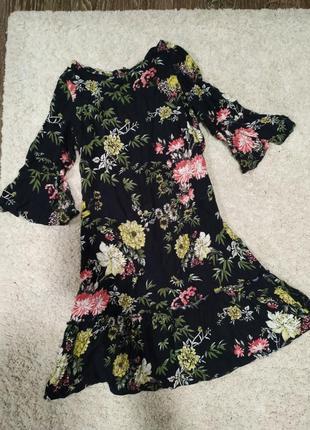 Лёгкое летнее🌺 платье с рюшой