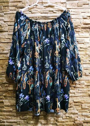 Очень красивая , свободная блузка
