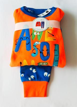 Флисовая пижамка от dunnes из англии. размеры 5-6,11-12 лет