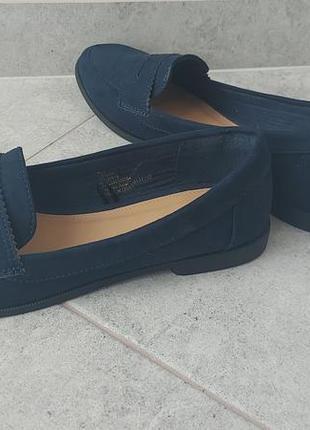 Туфлі, лофери