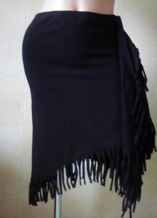 Асимметричная юбка с бахромой-тренд сезона.