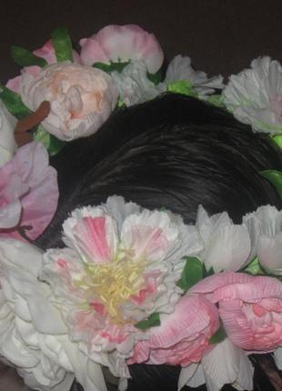 Венок из  нежных цветов для фотосессии. крупные цветы. бело-розовые.