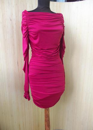 Красное вечернее платье  обтягивающее  с длинным рукавом  forplay born in hollywood