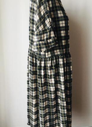Оригинальное нежное платье в свободном стиле