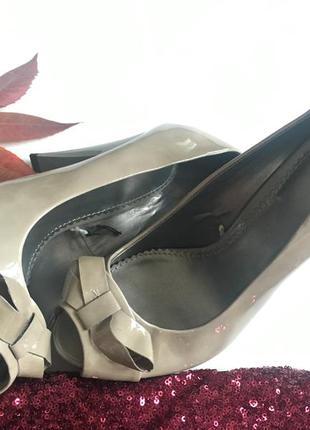 Кожаные лаковые туфли дорогой фирмы  jasper conran