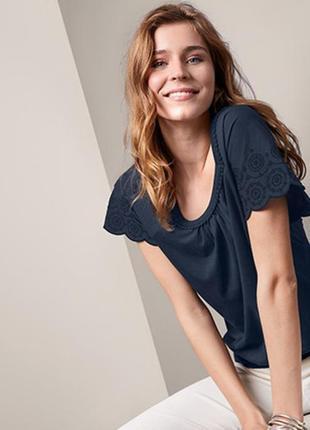Красивая, модная футболка блузка с вышивкой тсм чибо. s