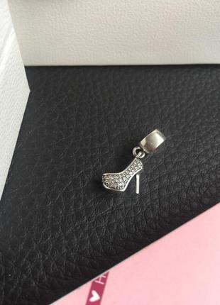 Шарм на браслет подвеска каблук туфля туфелька с камнями серебро проба 925 новое пандора