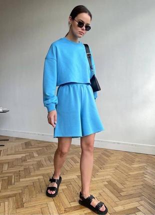 Стильный весенний костюм, свитшот. и шорты, голубой, сиреневый