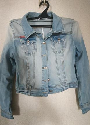 Лёгкая джинсовая куртка