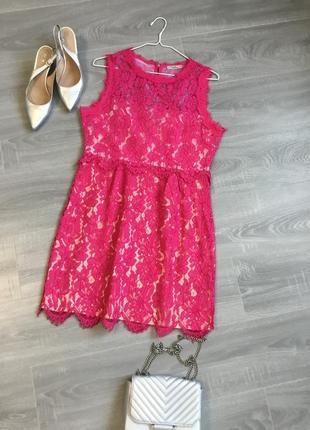 Роскошное коктейльное кружевное платье