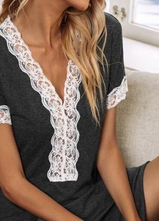 Блузка с декольте и кружевом дорогой бренд cavalli