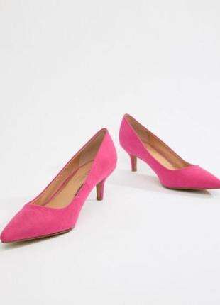 Туфли замшевые лодочки малинового цвета на низком удобном каблуке