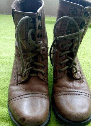 Кожаные фирменные ботинки р.37