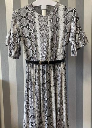 Шикарное платье змейка