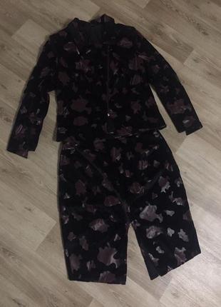 Костюм женский  классический  велюровый р.48-50(юбка-пиджак)