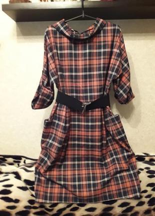 Шикарное платье в клетке с поясом