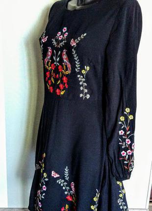 Шикарное черное е платье с модной вышивкой 100% вискоза