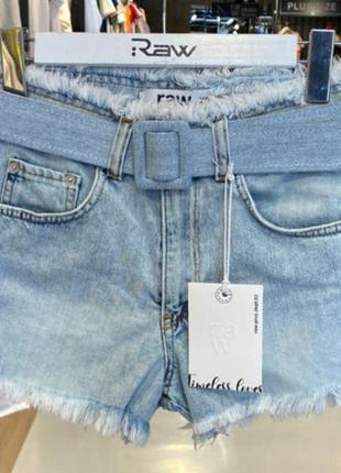 Короткие брендовые джинсовые шорты с поясом, люкс качество.