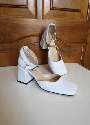Кожаные туфли на каблуке с квадратным носком натуральная кожа босоножки