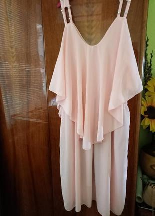 Нежно-розовое летнее платье