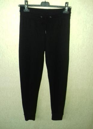 Стильные спортивные штаны 4-6 размер