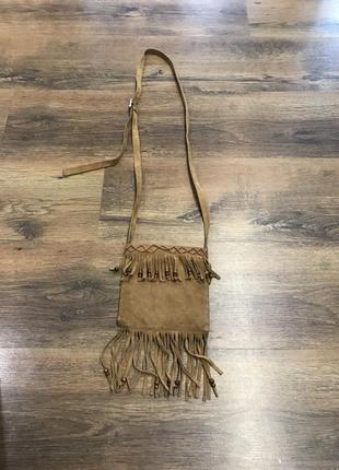 Замшевая сумка с бахромой