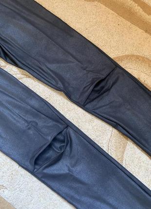 Лосины леггинсы матовые под кожу высокая посадка широкая талия пояс резинка колени замочки3 фото