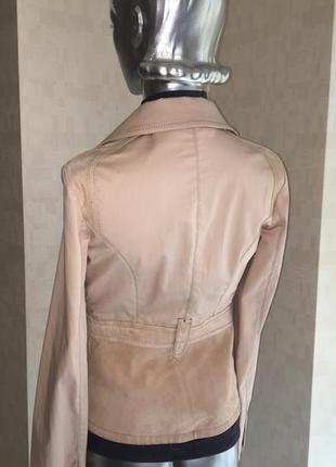 Стильный брендовых итальянский пиджак, пудрового цвета (замш+котон)