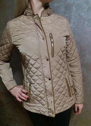Демисезонная фирменная курточка в идеальном состоянии
