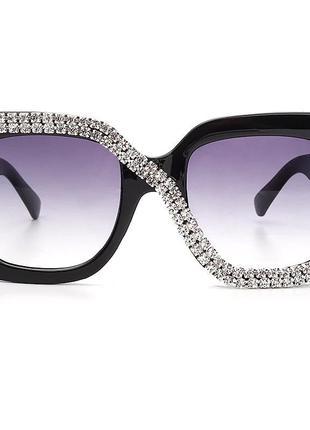 Крутые квадратные очки с камнями