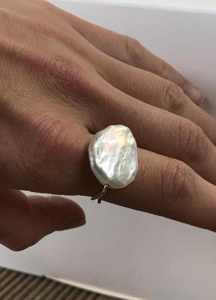 Кольцо из барочной жемчужины и серебра 925 пробы